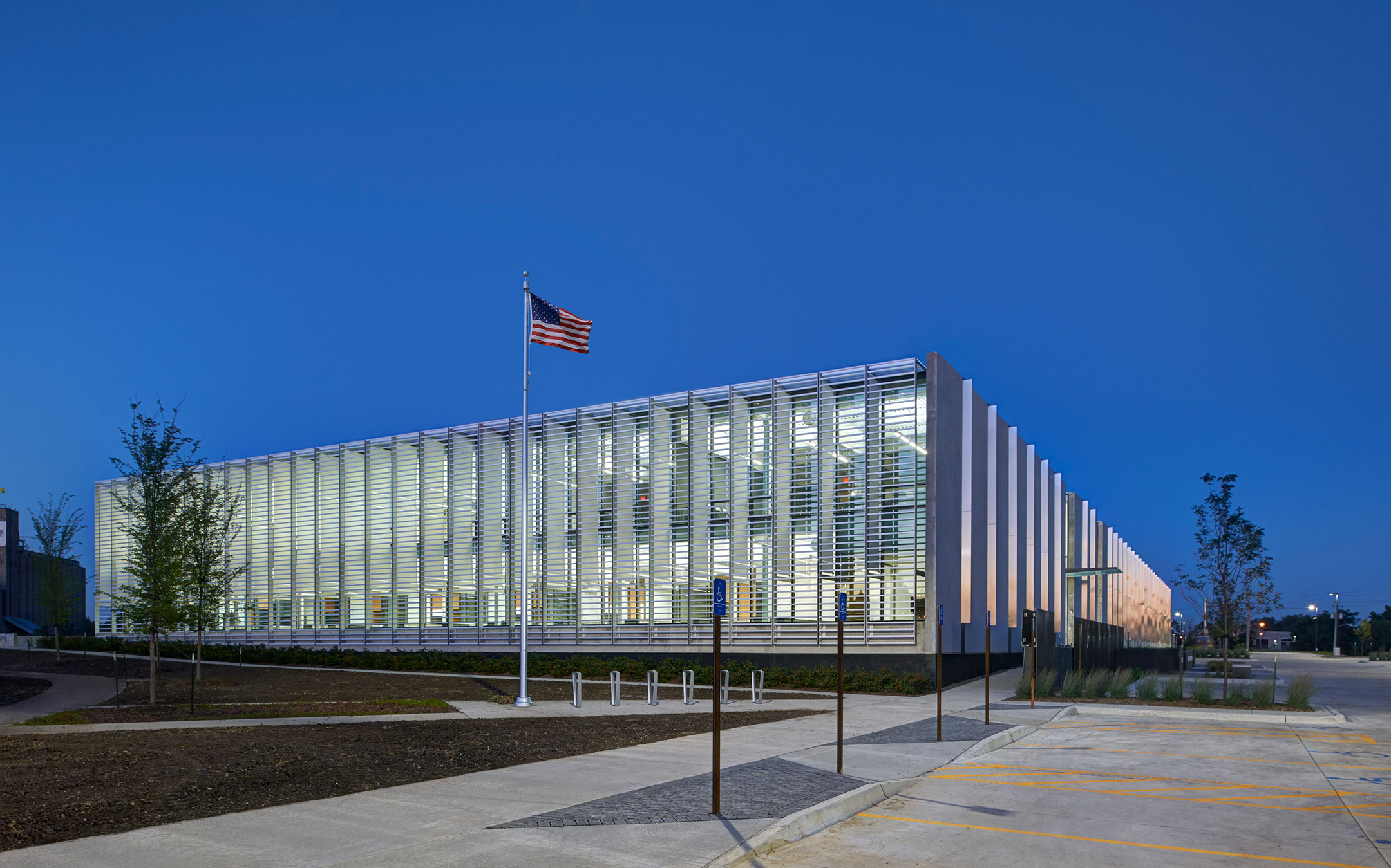 DES MOINES MUNICIPAL SERVICES CENTER BUILT